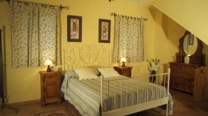 Loma Blue Bedroom 1